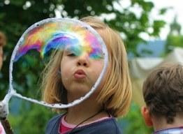 Symbolbild Kinderspiel. Foto von Albrecht E. Arnold, www.pixelio.de